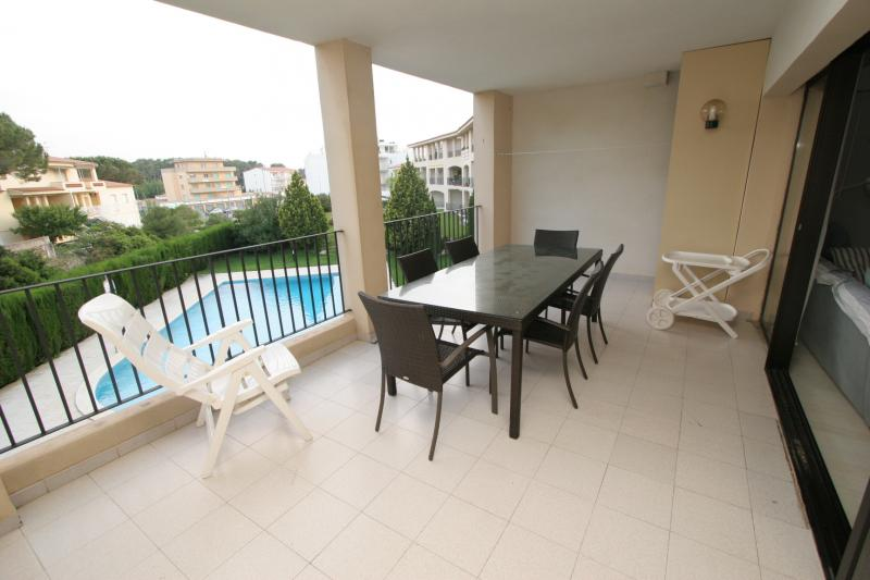 Apartamento -                                       L´escala -                                       2 dormitorios -                                       4 ocupantes