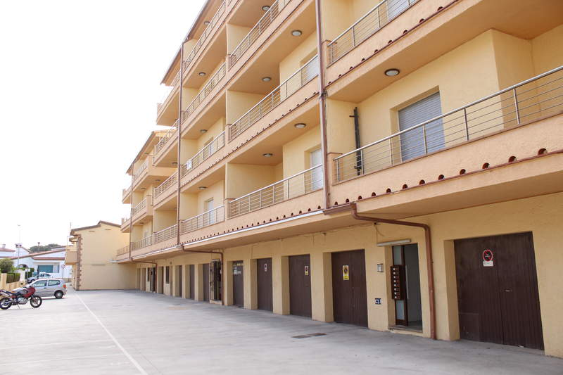 Apartamento -                                       L´escala -                                       3 dormitorios -                                       0 ocupantes